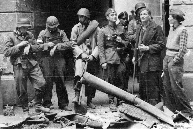 1 sierpnia 1944 rok, Warszawa, godz. 17:00 – Wielka Improwizacja